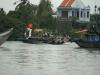 Mopedtransport von Ufer zu Ufer
